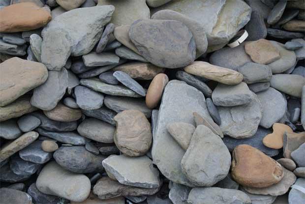 Flat Rock Stone : Sharon fraser − that elusive perfect rock